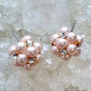 🦋3/$15🦋 Pink Pearl and Crystal Earrings